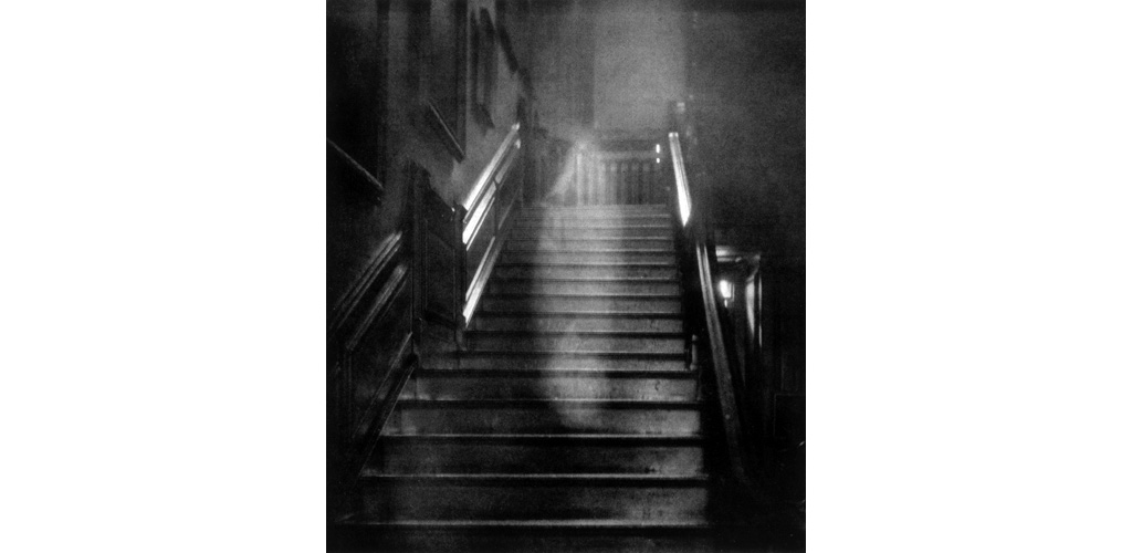 RAYNHAM HALL GHOST (CL)