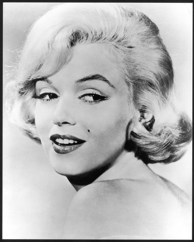 MARILYN MONROE  (Norma Jean Baker, 1926-1962), American film actress and sex symbol.   circa late 1950s