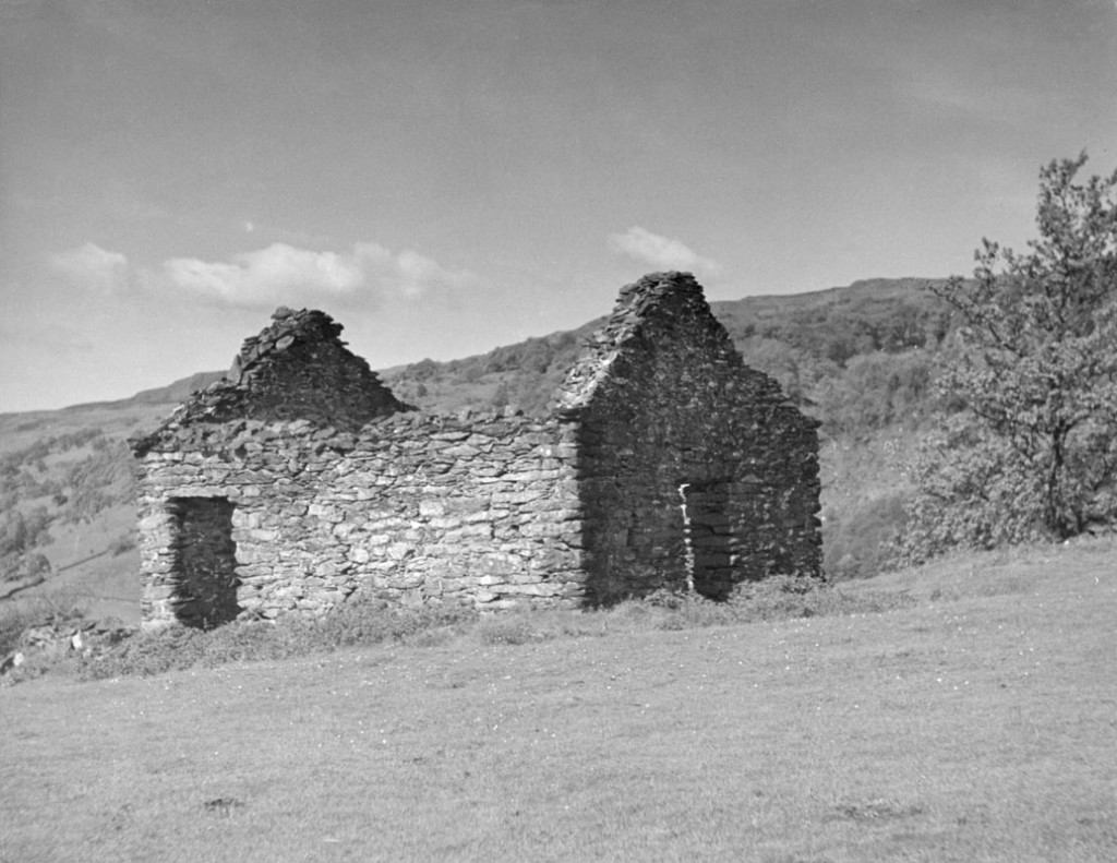 A ruined old Welsh cottage near Bettws-y-Coed, Caernarvonshire, Wales.    1950s
